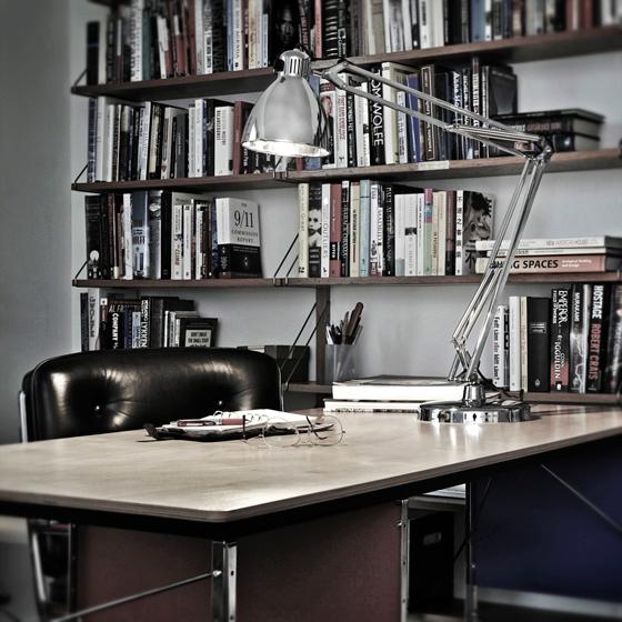 L1 skrivbordslampa